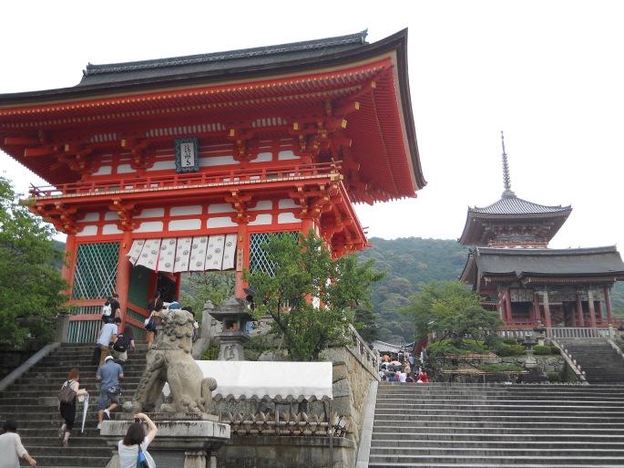 進入清水寺前必定要走過一大段樓梯